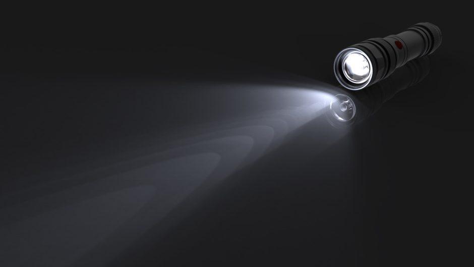 03-flashlight_product_caustics